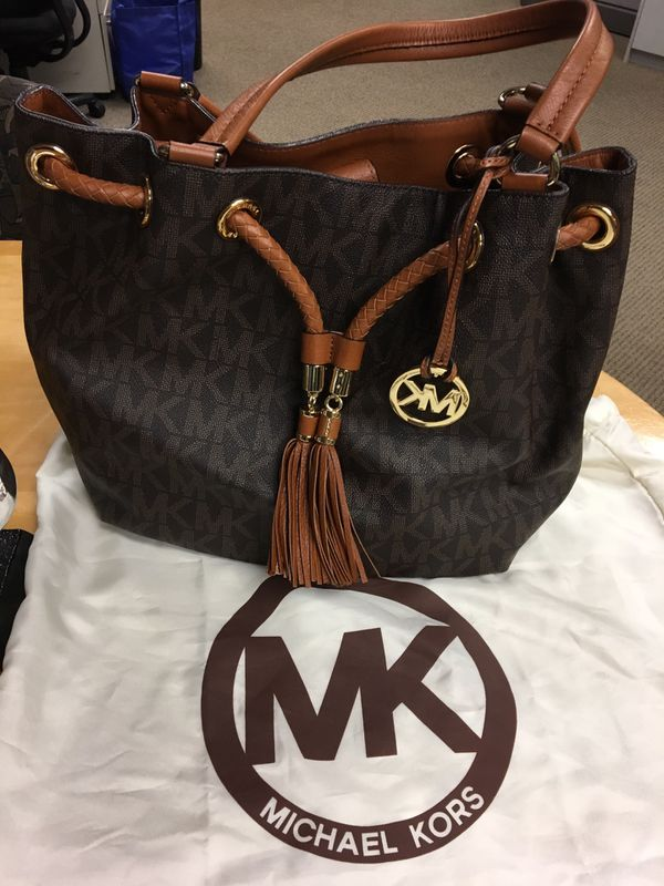 Original Michael Kors Drawstring Tote for Sale in Irvine a4d1cf2d5a3de