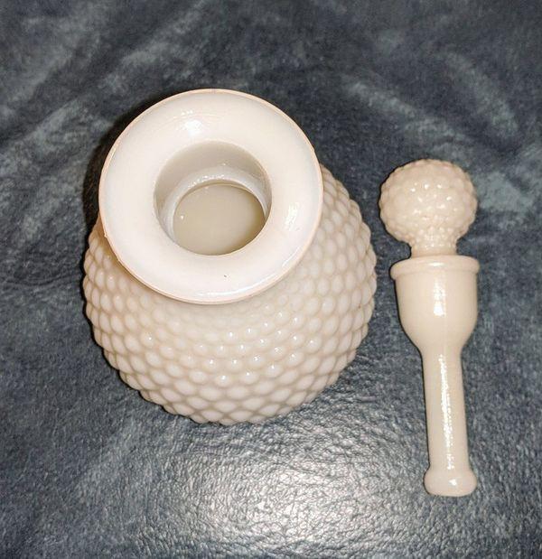 Vintage Milk Glass For Sale In Wyandotte Mi Offerup