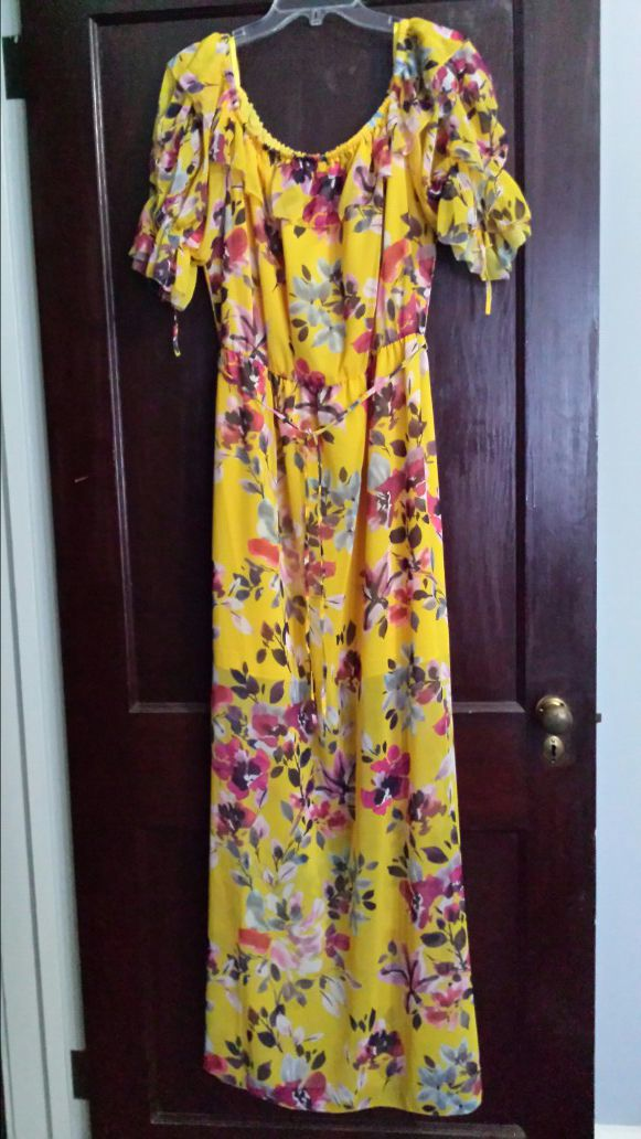 012a4487f82 Maxi Dress, Crinkle Off Shoulder, French Connection Linosa for Sale in  Shelby, NC - OfferUp
