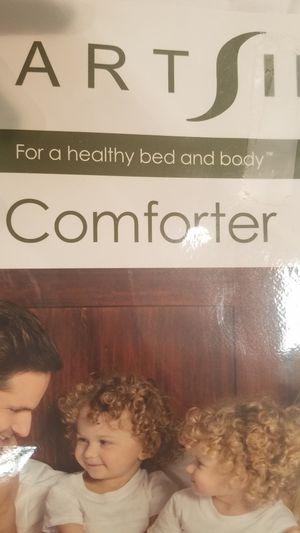 Smartsilk organic comforter and pillows for Sale in Manassas, VA