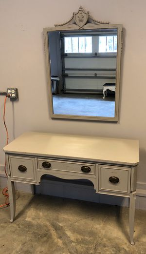Photo Distressed Gray Shabby Chic Farmhouse Antique Vanity Desk with Mirror