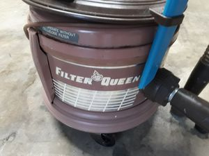 FILTER QUEEN Vacuum Cleaner Model 834G for Sale in MONTGOMRY VLG, MD