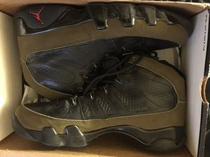 Retro Jordan olive 9s sz11 for Sale in Miami, FL