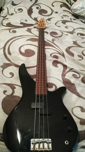 Yamaha bass guitar brand new for Sale in Clearwater, FL