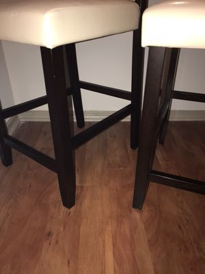 2 white counter height bar stools for Sale in Atlanta, GA