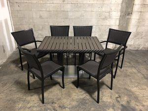7 pc patio dining table set for Sale in Miami, FL