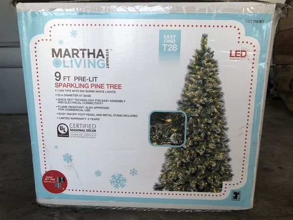 9ft Martha Stewart Pre Lit Sparkling Pine Christmas Tree for Sale in ...