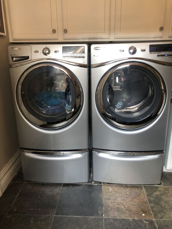 400 Whirlpool Washer Amp Dryer Gas With Pedestals Las