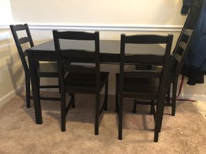 Dining Room table with 4 chairs for Sale in Manassas, VA