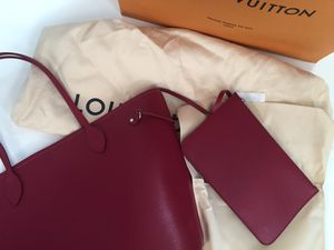 Louis Vuitton Neverfull mm in epi leather Raspberry for Sale in Centreville, VA