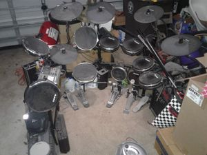 Combined ALESIS and ROLAND Electronic Drum Kit +CRATE Amp for Sale in Davenport, FL