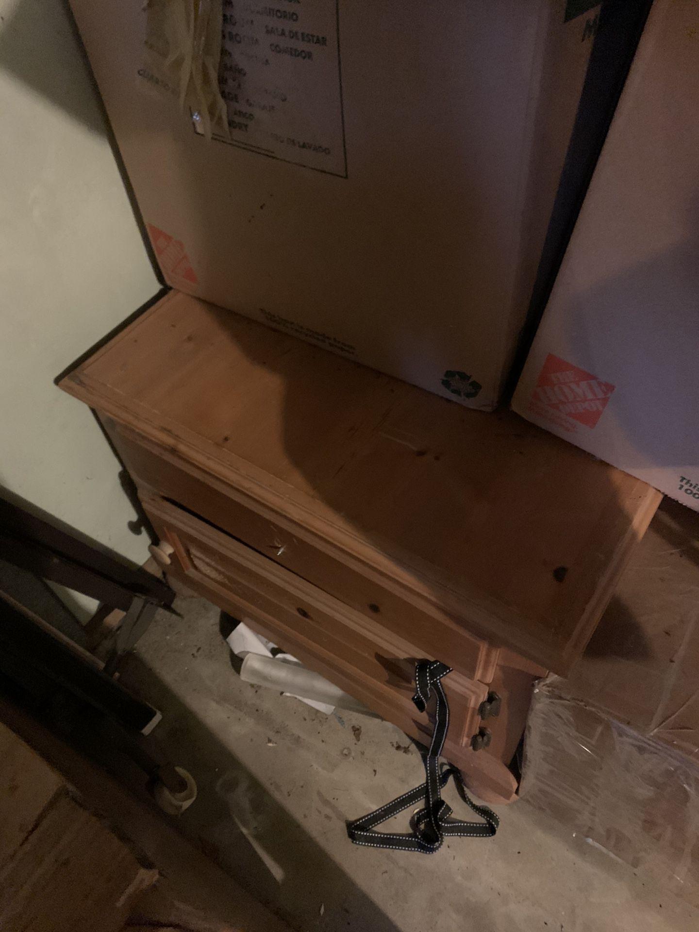 Free Storage Drawers / Dresser / Night Stand