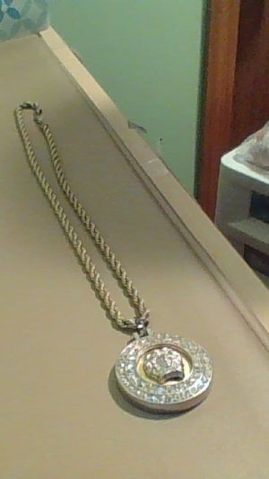 Aztec Gold Chain W/ Roped Chain And Aztec Diamond Piece for Sale in Columbus, OH