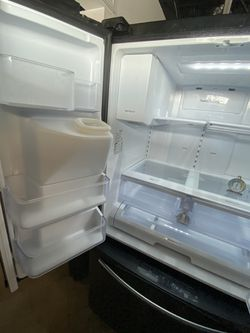 """Samsung stainless steel refrigerator 36"""" wide working perfect and 45 days warranty. Delivery service available Thumbnail"""