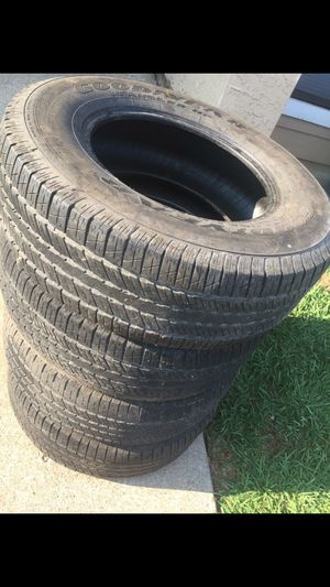Tires 265/70R17 for Sale in Dallas, TX
