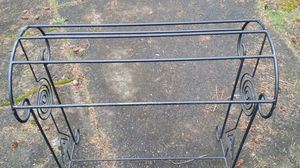 Metal stand, good condition for Sale in Seattle, WA