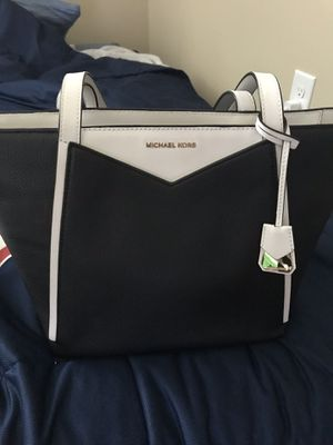 Black and white Michael Kors Tote for Sale in Huntersville, NC
