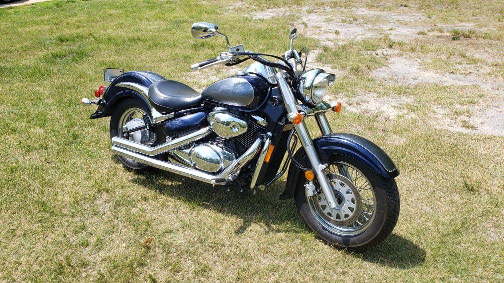 Photo 2004 Suzuki Intruder 800