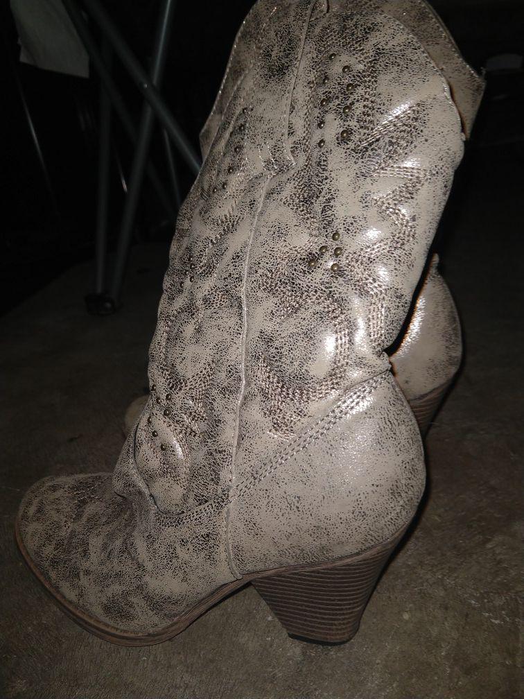 boots sz 8m