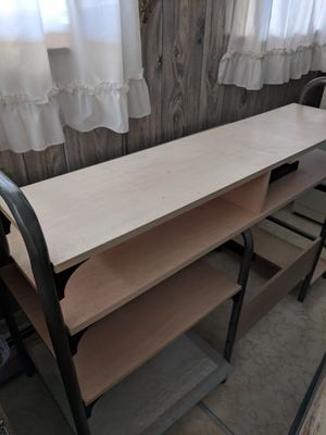 Computer desk for Sale in Harpers Ferry, WV