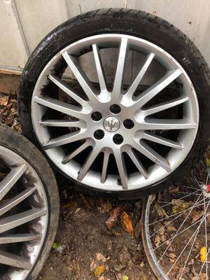 5 lug rims and tires for Sale in Capitol Heights, MD