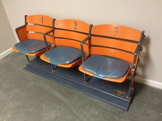 Dodgers, Angels, Lakers, Stan Lee, autographed, signed, stadium seats buying memorabilia. Thumbnail