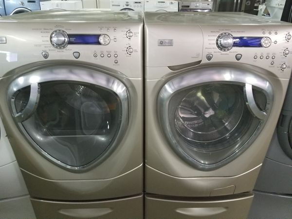 Ge Profile Washer And Dryer Set On Pedestals For In