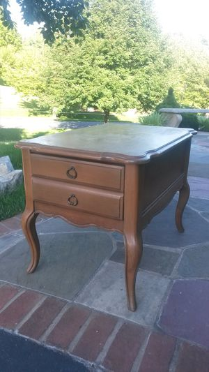 Solid maple wood antique end table for Sale in Silver Spring, MD