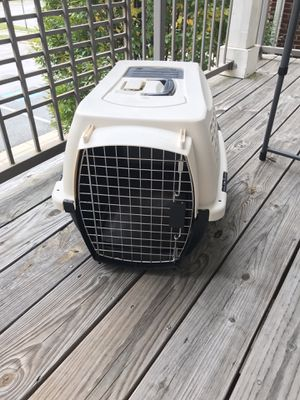 Small/medium dog kennel/cage Excellent condition for Sale in Woodbridge, VA