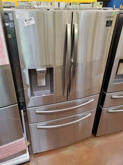 Samsung French Door Refrigerator with showcase Thumbnail