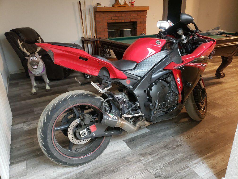 Photo 2013 Yamaha R1. Trade For Dirt Bikes