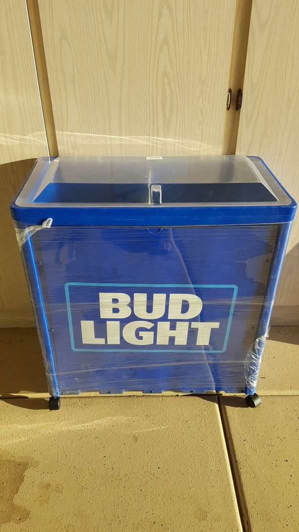 BRAND NEW BUD LIGHT ICE CHEST COOLER  WITH WHEELS Never used wrapping still  on it  for Sale in Fountain Hills, AZ - OfferUp