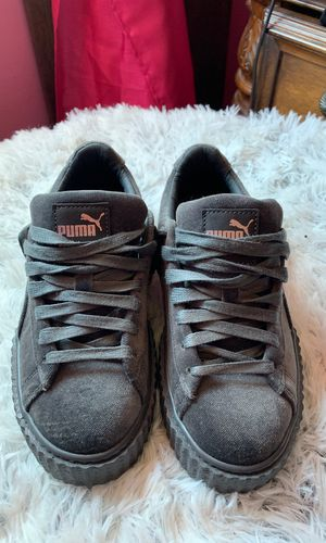 new concept 764d4 aefe6 Rihanna Puma Creeper Velvet Grey for Sale in Dolton, IL - OfferUp