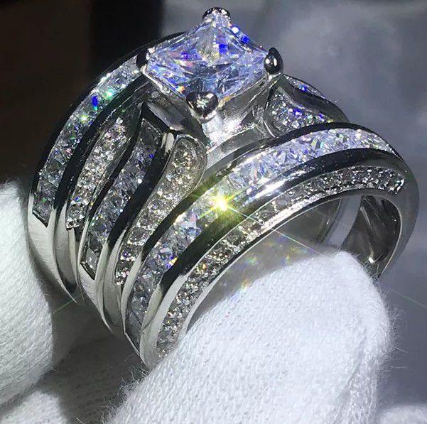 Wedding ring/ engagement ring