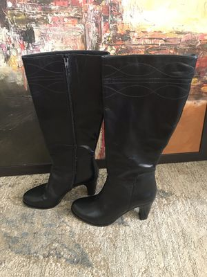 Eddie Bauer Boots size 7.5 for Sale in Falls Church, VA
