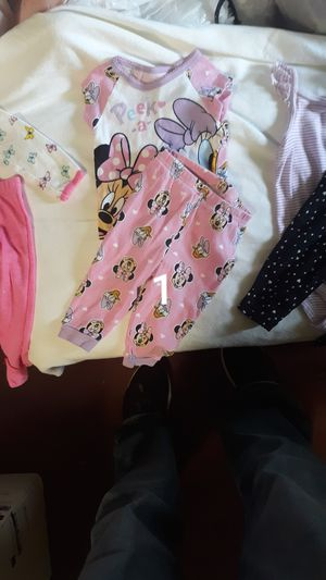 Photo BUNDLE OF BABY GIRL CLOTHES, SIZE 9 MOS