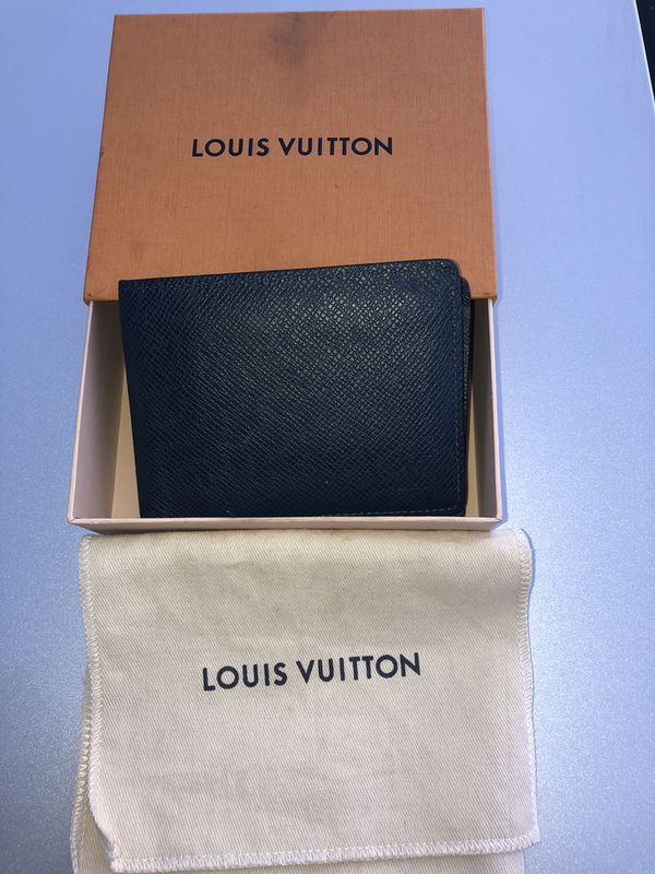 1af60bf40e2f  Auth Guaranteed Louis Vuitton Ocean Blue Taiga Mens Wallet. San Jose ...