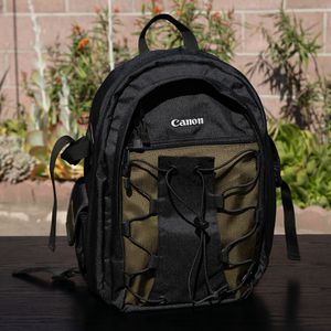 Canon DSLR Camera Bag Deluxe Backpack 200EG for Sale in Compton, CA