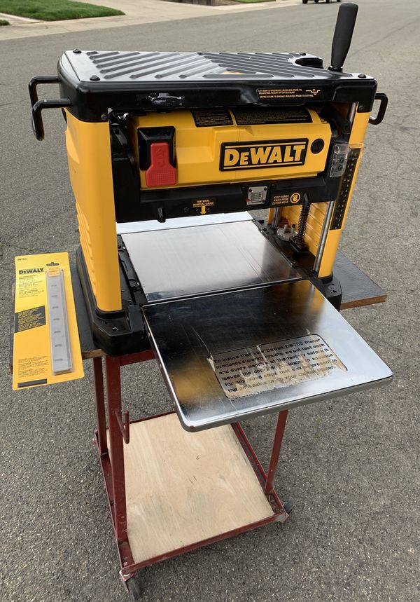 """DeWalt DW733 12-1/2"""" Portable Thickness Planer and Stand (Works Good) for  Sale in Yuba City, CA - OfferUp"""
