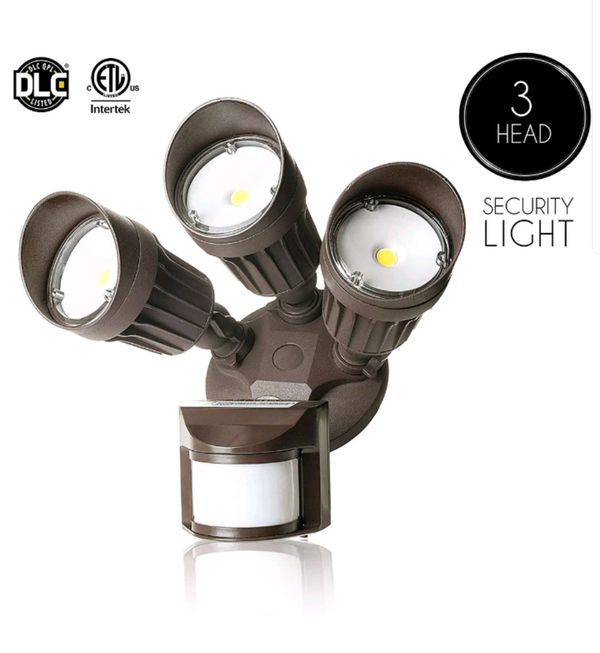 30W 3 Head Security Lighting Motion Spot Lights - Cool Pure White for Sale  in San Antonio, TX - OfferUp