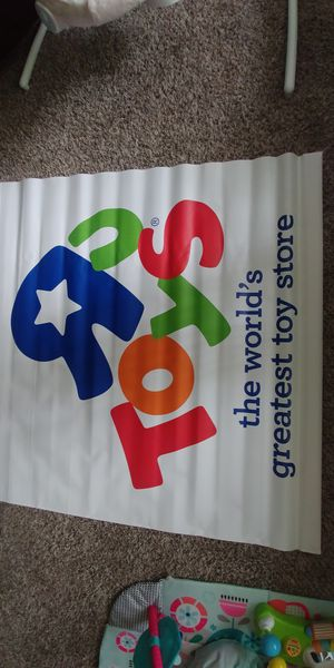 Toys r us canvas posters, used for sale  Tulsa, OK