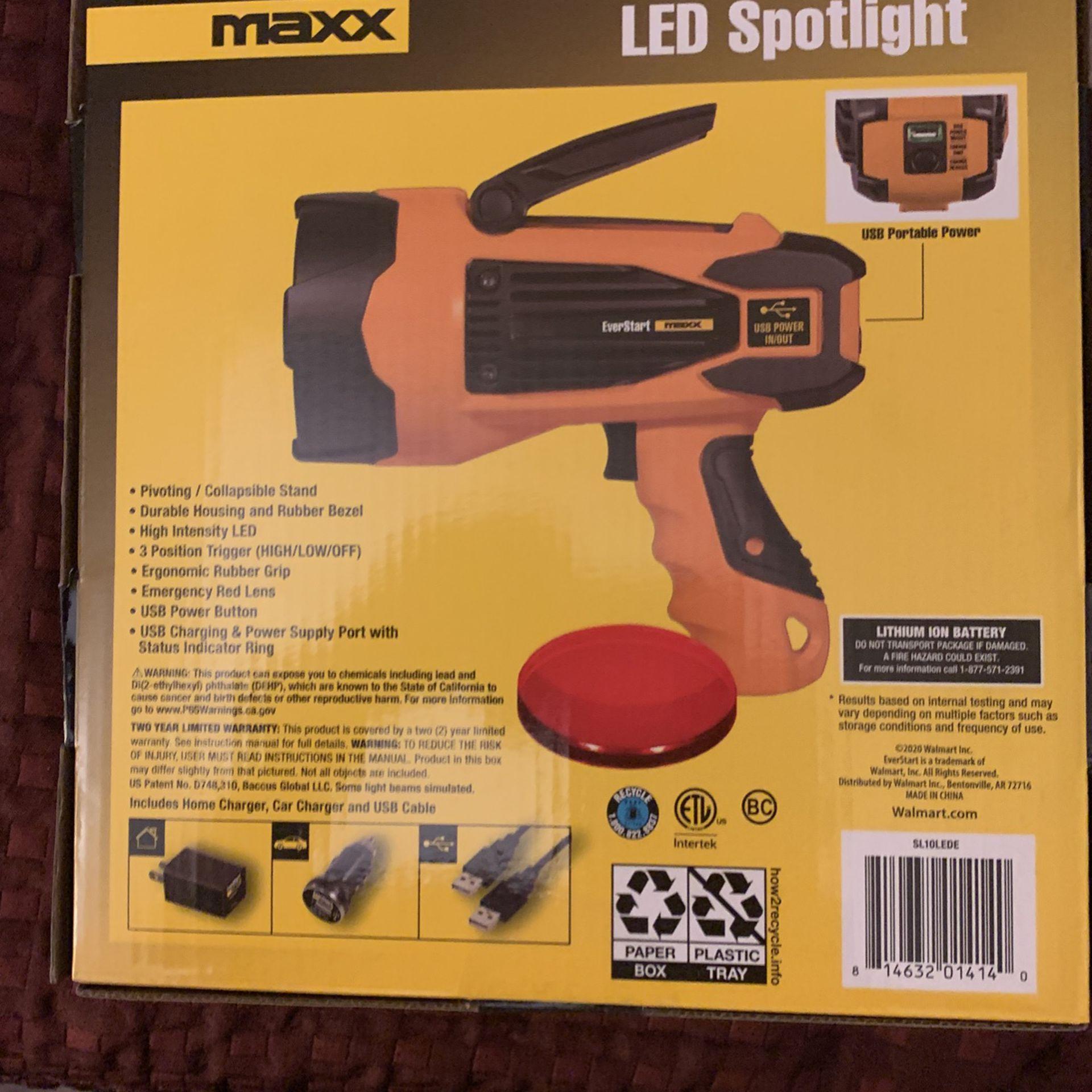 EverStart Maxx 10 Watt Rechargeable Lithium-Ion Led Spotlight