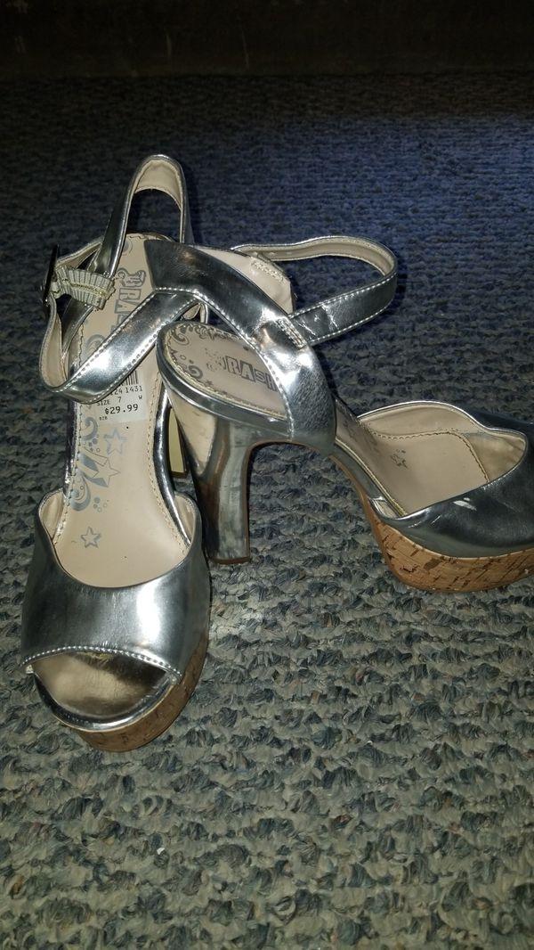 6ce15298b44 Brash silver platform sandals for Sale in Ontario