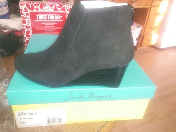 d23f667e2181 Jack rogers emery suede black for Sale in Stockton