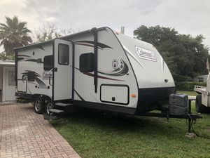 2015 Dutchmen COLEMAN 194QB Camper Travel Trailer RV Temporary Housing 2015 Dutchmen COLEMAN 194QB Sleeps 4 with room for an extra bed on floor when for Sale in Tampa, FL