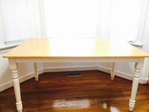 Dining table 3 x 5 ft size and 2'6 ft height for Sale in Midlothian, VA