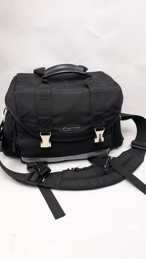 CANNON (Medium Size) DSLR CAMERA BAG.LOTS STORAGE, COMPARTMENTS, Barely used for Sale in Long Beach, CA