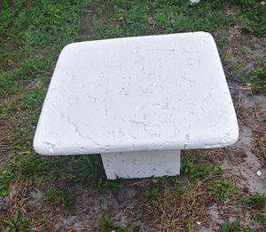 Photo CONCRETE TABLE
