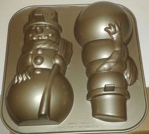 Williams Sonoma NORDIC WARE Snowman Cake Baking Pan for Sale in Silver Spring, MD