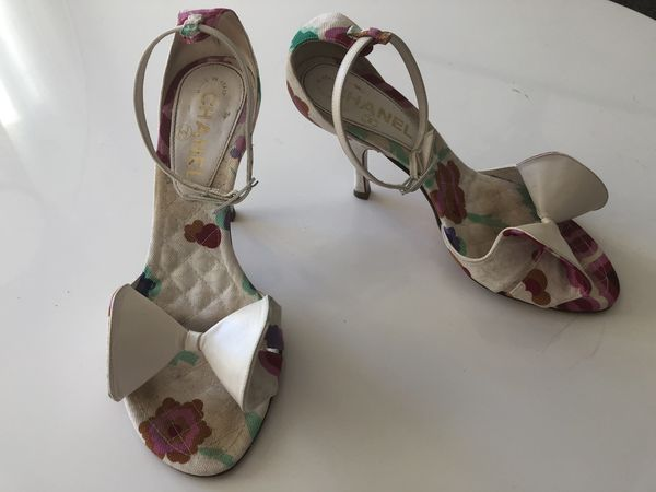 e9930d4de18f Chanel sandals white floral print stiletto bow logo heels size 36 ...